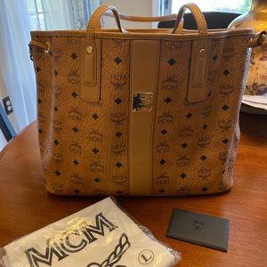 MCM Medium Liz reversible Shopper